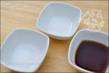 เกลือป่น น้ำตาลทราย และซีอิ๊วขาว